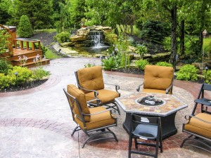 Summerbreeze_Landscaping_WaterfallPatio_009